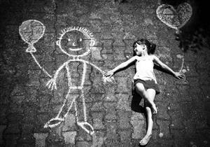 """من هو """"الصديق الخيالي"""" لطفلك .. تعرف على فوائده وأضراره"""