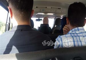 """رحلة داخل ميكروباص المنصورة- القاهرة.. """"اليوم رايق بس الناس زعلانة"""""""