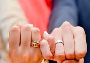 حكم الشرع فيمَن يطلب معاشرةَ زوجتِه سِرًا قبل الزفاف.. الإفتاء توضح