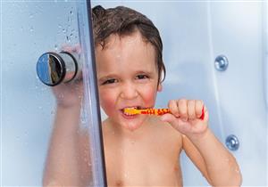 5 نصائح لتجنب ظهور بقع بيضاء على أسنان طفلك