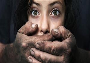 حاول الاعتداء جنسيا على والدته وشقيقته.. أم تحرر محضرًا ضد ابنها