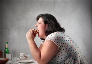 10 عادات شائعة تسبب مشكلات صحية خطيرة (صور)