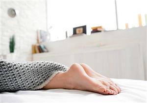 متلازمة تململ الساقين.. إليك الأسباب وطرق العلاج