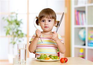 لماذا يتناول الأطفال الطعام عند الشعور بالتوتر؟