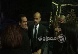 """بالصور- محمد ثروت أول الحضور في عزاء والد المطرب """"أبو"""""""