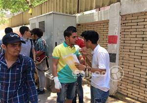 """في 22 صورة.. """"مصراوي"""" يرصد ردود أفعال طلاب الثانوية العامة بعد امتحاني علم النفس والديناميكا"""