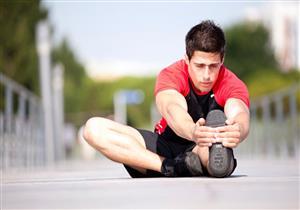 8 عادات شائعة تضر بصحة المفاصل- صور