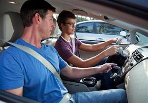 """9 خطوات مهمة للمبتدئين في قيادة السيارات.. أبرزها """"الانتظار"""""""