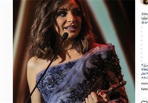 """بالصور ..أنغام تتسلم جائزة أفضل مطربة عربية في حفل جوائز الـ""""بياف"""""""