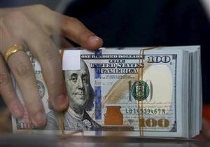 الدولار يرتفع أمام الجنيه في 3 بنوك بالتعاملات المسائية