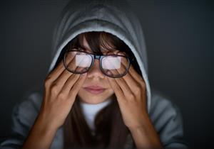 عملية الليزك تهدد العين بهذا المرض.. إليك طرق الوقاية منه