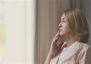 يهدد النساء بالخرف.. دراسة: مضاعفات خطيرة لتأخرالدورة الشهرية