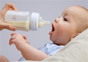 لسلامة طفلك.. 8 نصائح عند تحضير رضعة اللبن الصناعي