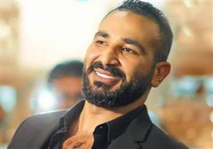 """بالفيديو ..أحمد سعد يطرح كليب """"في العالم ناس"""" لكأس العالم ويوجه الشكر لشقيقه وزوجته"""
