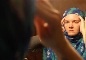 حكم خلع الزوجة الحجاب طاعة لزوجها.. الإفتاء توضح