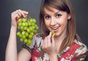 الإفراط في أكل العنب يهددك بالسكري.. ضوابط لتناوله