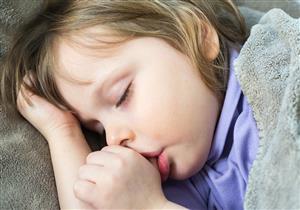 5 أضرار يسببها مص الأصابع لأسنان الطفل.. لا تهمل العلاج