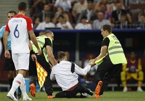 بالصور- من هم مقتحمو ملعب مباراة فرنسا وكرواتيا بنهائي كأس العالم؟