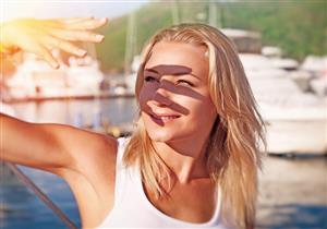 كيف تتعامل مع حساسية بشرتك من الشمس؟