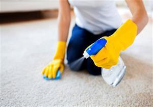 لماذا عليكِ ارتداء القفازات أثناء تنظيف المنزل؟