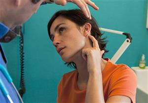 مضاعفات خطيرة لتسوس عظام الأذن.. هل الجراحة ضرورية؟