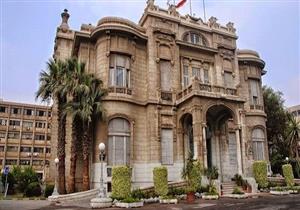 خبيران صينيان يشرفان على ترميم البرديات النادرة بجامعة عين شمس