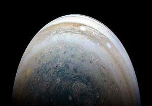 علماء يكتشفون 12 قمرًا جديدًا تدور حول المشتري