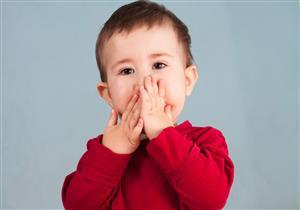 أعراض مزعجة لالتهاب الغدد النكافية عند الأطفال.. بينها تورم الوجه