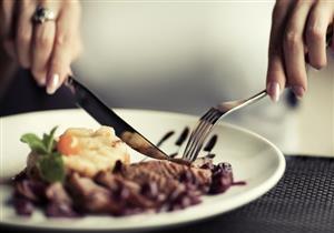 تناول كل ما في طبقك يعتبر تصرفًا وقحًا في الصين .. تعرف على أغرب عادات تناول الطعام حول العالم