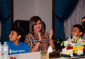 وزيرة الهجرة تكرم عددًا من أبناء الشهداء في معسكر بشرم الشيخ- صور