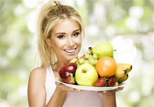 تناول الفواكه والخضروات بكثرة يحمي النساء من مرض خطير