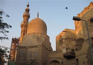 الجامع الأزرق.. الذى تجاوز عمره نصف قرن والسابع من نوعه في العالم