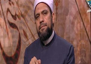 هل يأثم من يتلو القرآن بدون تشكيل أو تجويد؟.. أمين الفتوى يجيب