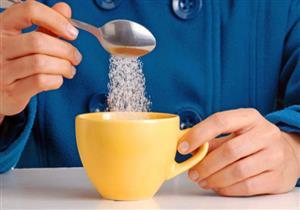 إضافة ملعقتين من السكر إلى القهوة والشاي يسبب هذا المرض