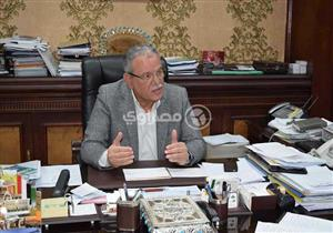 بعد 9 أيام من الإضراب عن الطعام.. محافظ المنيا يلتقي موظفي شركة المياه