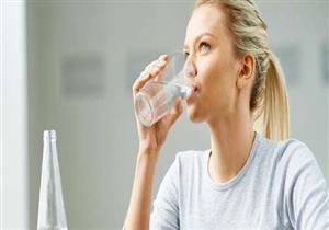 تعرف على خطورة شرب الماء البارد في الإفطار
