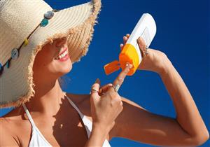 لفاعلية أكبر.. 5 نصائح عند استخدام واقي الشمس