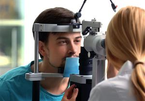 كيف تفرق بين العين الوردية وحساسية العين؟