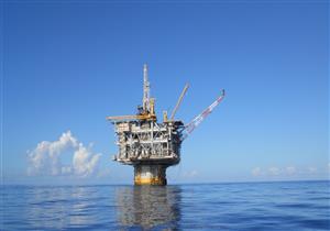 الملا: طرح مزايدة عالمية للبحث عن البترول بالبحر الأحمر في نهاية العام
