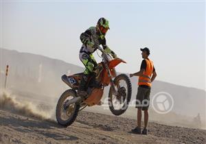 """بعد انسحاب حامل اللقب.. """"حسين جاك"""" يتصدر نتائج سباقات موتوكروس 450 cc"""