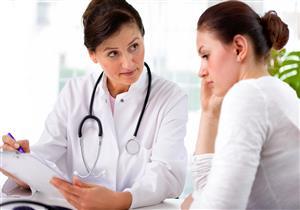 غزارة الدورة الشهرية من أبرز أعراض دوالي الرحم.. هكذا تعالج