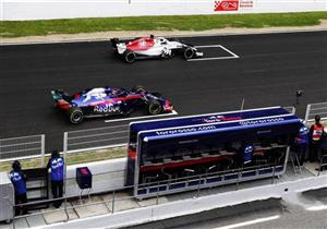 """""""ساينث"""" يحل مكان """"ألونسو"""" بفريق مكلارين المنافس بسباقات سيارات فورمولا-1"""