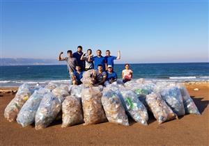 """""""المسعفون البيئيون"""".. حكاية 100 شاب ينظفون شواطئ لبنان"""