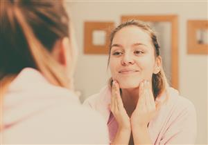 5 طرق طبيعية للتخلص من تقشر الجلد