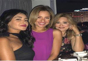 ريم البارودي تحتفل بعيد ميلاد شقيقتها (صور)
