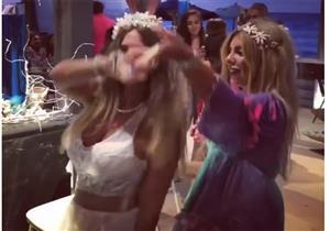 """بالفيديو ..منة حسين فهمي ترقص على """"برج الحوت"""" في حفل زفافها"""