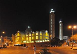 قيادات الكنيسة بأسوان يقدمون التهنئة للمحافظ بمناسبة عيد الأضحى المبارك