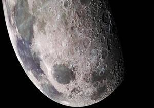 علماء فلك يكتشفون بؤر جليدية على سطح القمر