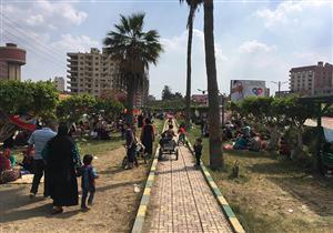 بالصور- زحام بالحدائق والمتنزهات ثالث أيام العيد في الدقهلية