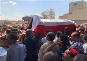بالصور- جنازة عسكرية لمساعد مدير أمن الدقهلية بمسقط رأسه في المنصورة
